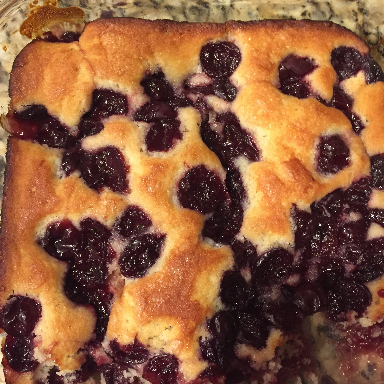Fresh Cherry Cake amieb