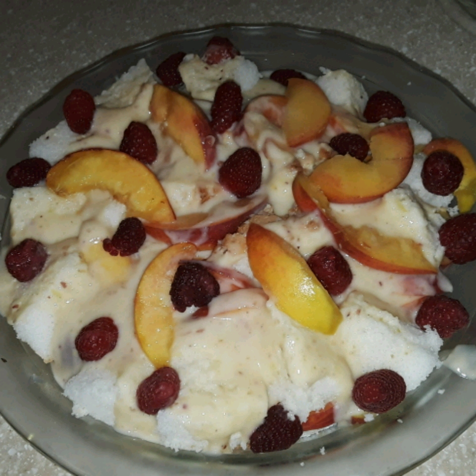 Fresh Peach Trifle Gramp&Omi
