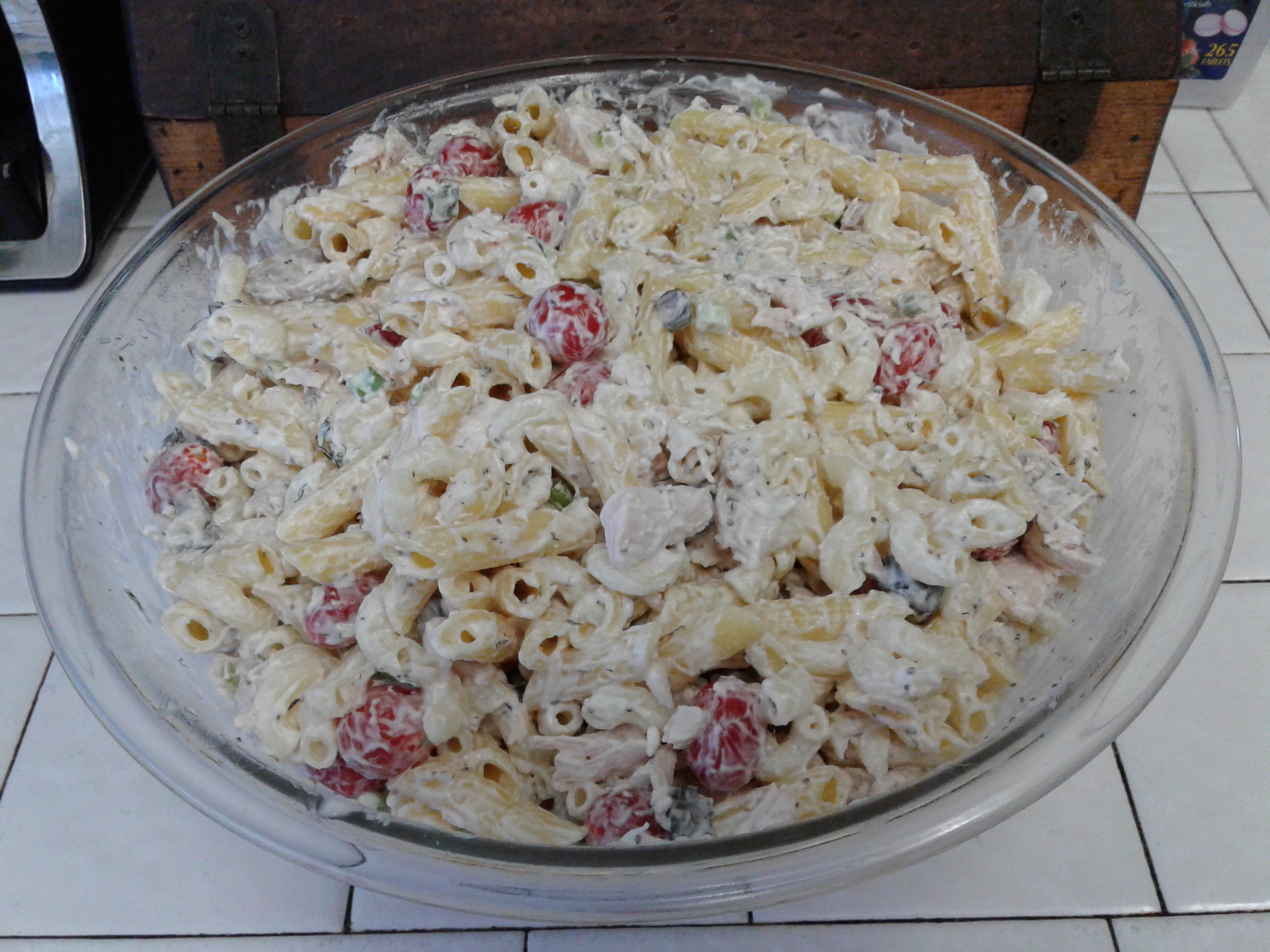 Gluten-Free Chicken Pasta Salad linangle57