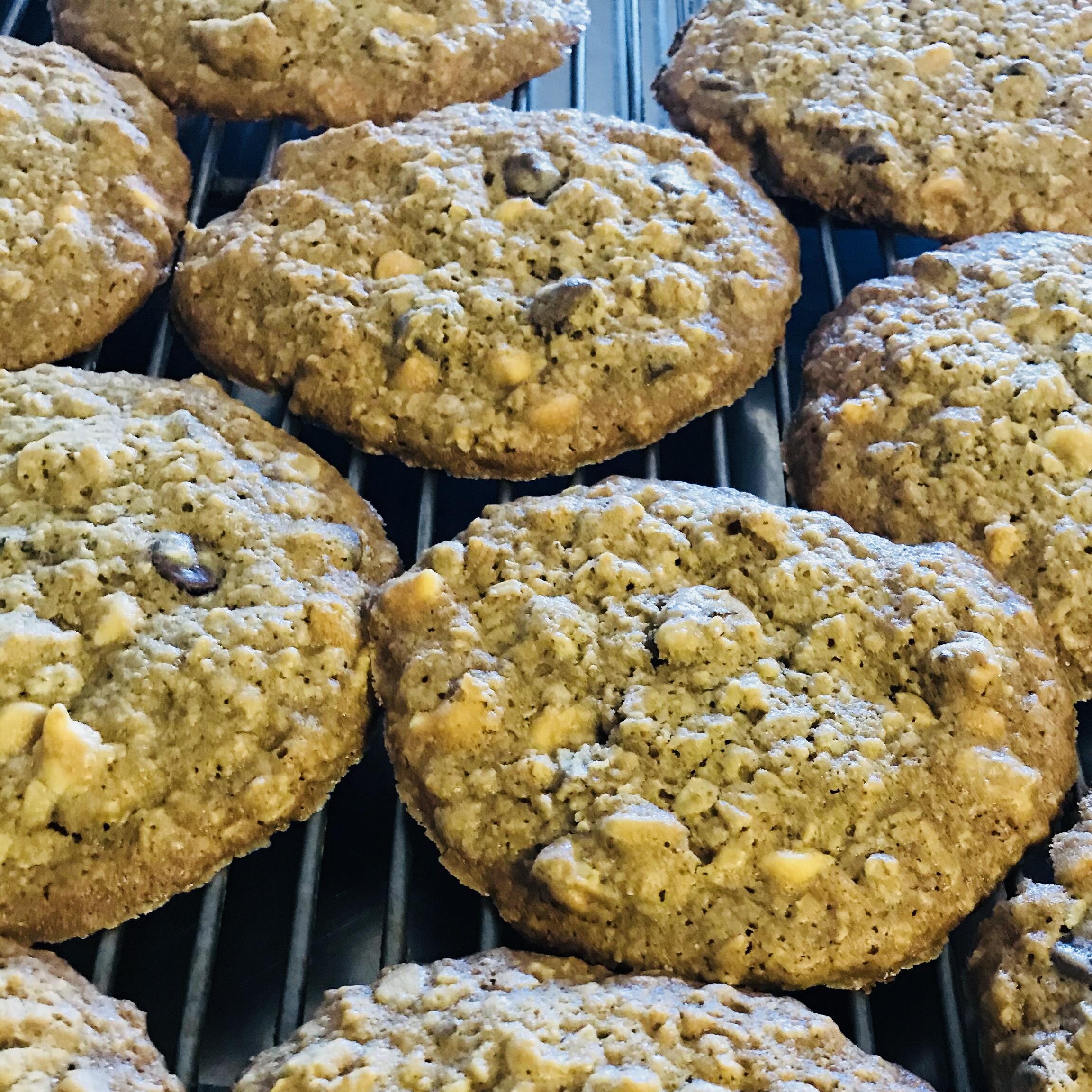 Giant Oatmeal Chocolate Cookies cynthia