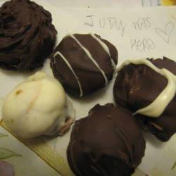 Easy Chocolate Truffles LittoBubbo
