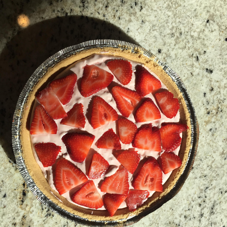 DanDan's Strawberry Cream Pie