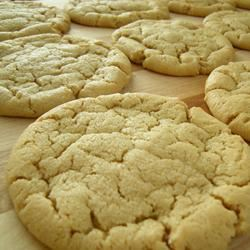 Moist and Chewy Peanut Butter Cookies PrOmIsE