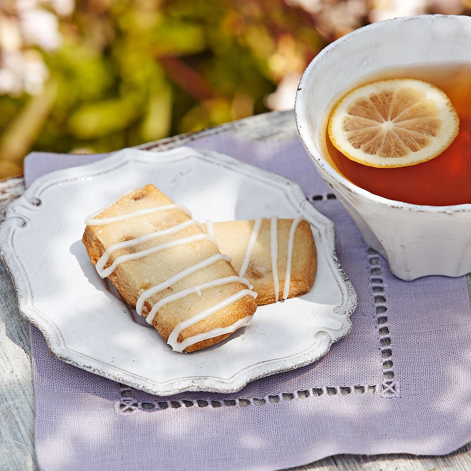 Lemon and ginger compliment each other perfectly in this shortbread dessert.