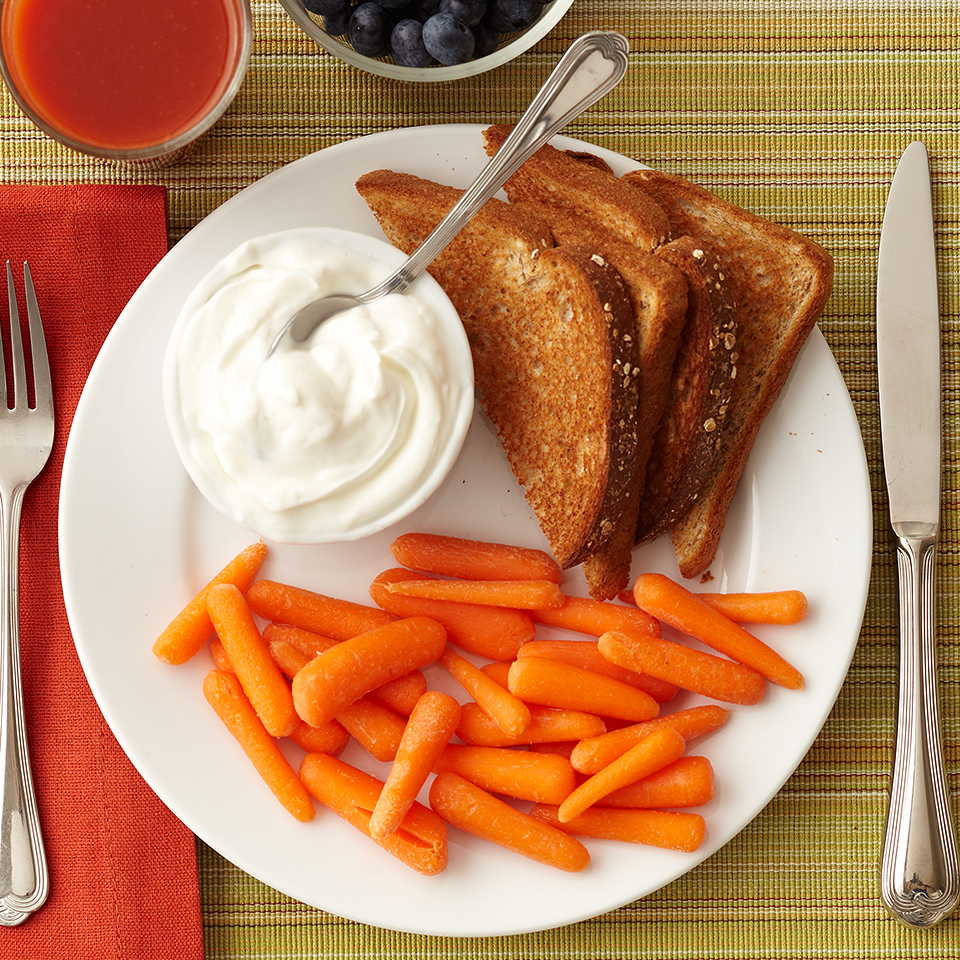 Looking for a quick breakfast solution? Greek yogurt and toast is a quick and balanced breakfast. Transform your Greek yogurt into a bowl of flavor by stirring in 1/4 teaspoon vanilla extract and topping with blueberries. Source: Diabetic Living Magazine
