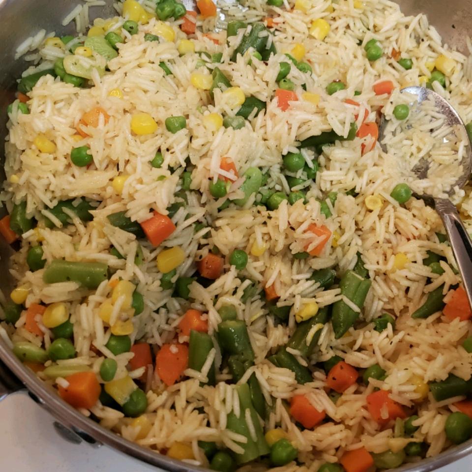Stovetop Saffron Rice aldee257