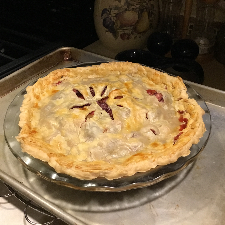 Nicki's Summer Strawberry Rhubarb Pie