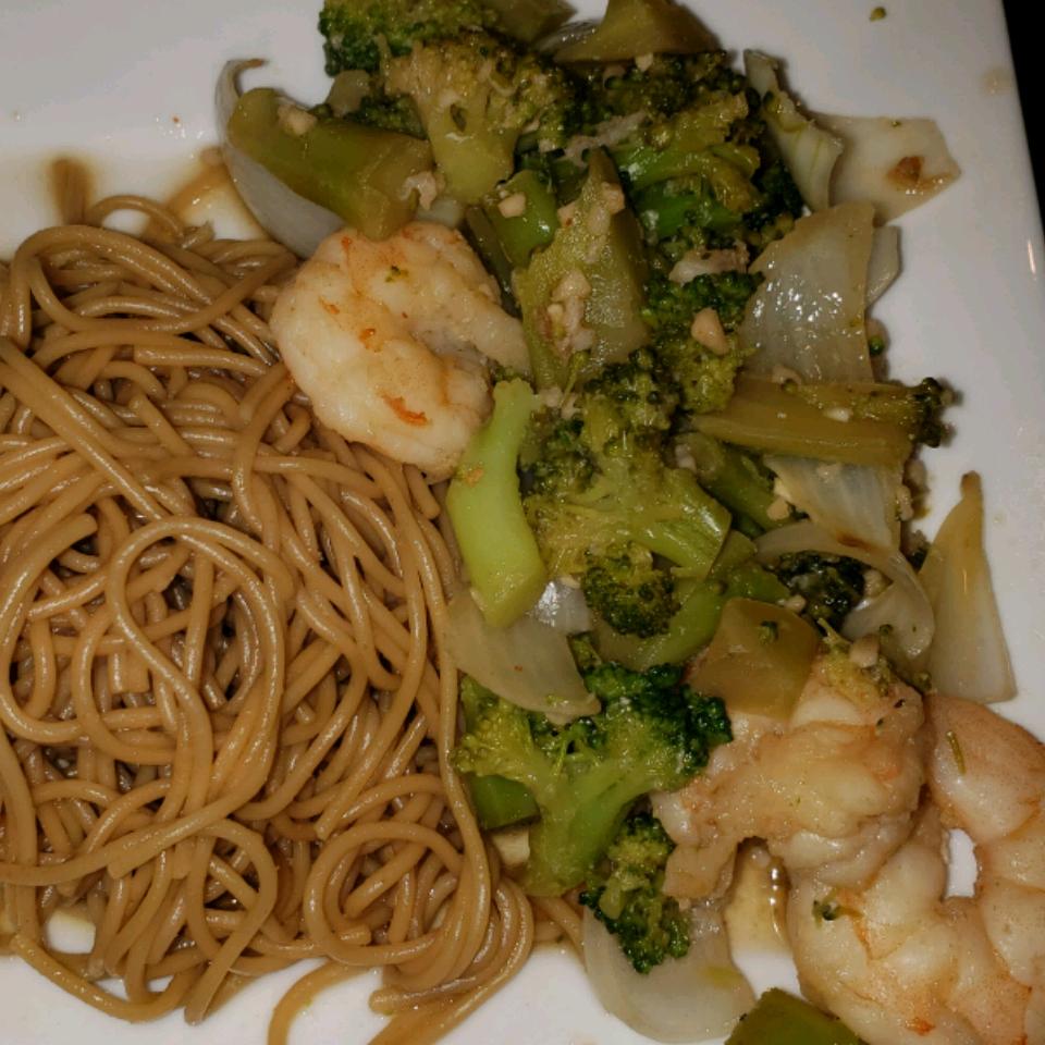 Utokia's Ginger Shrimp and Broccoli with Garlic misty
