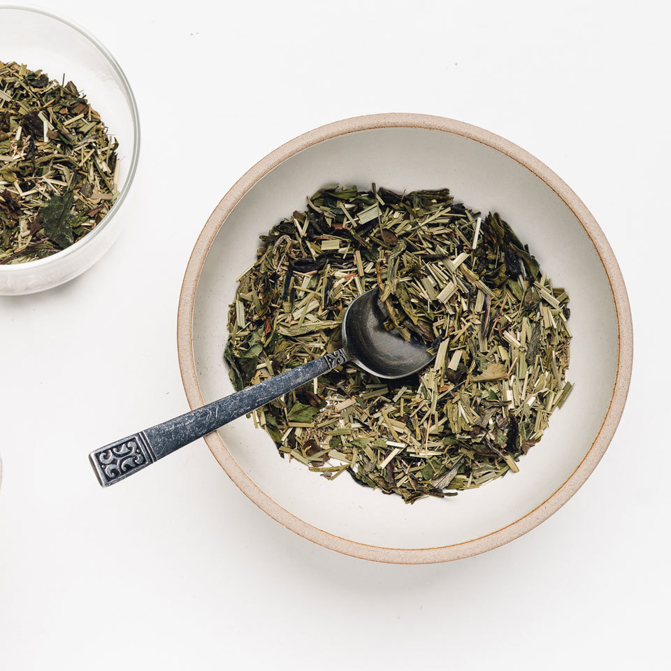 A great way to add some extra energy into your morning routine, this tea is composed of three different types of lemon-scented herbs. With extra vitamin C and a healthy dose of antioxidants, this tea blend will awaken the senses.