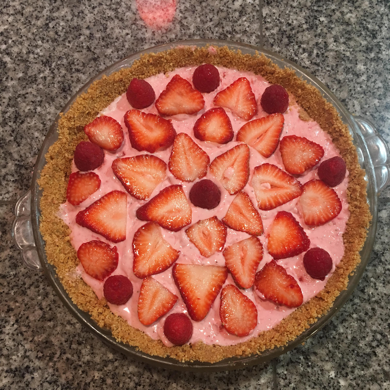 DanDan's Strawberry Cream Pie Stacy