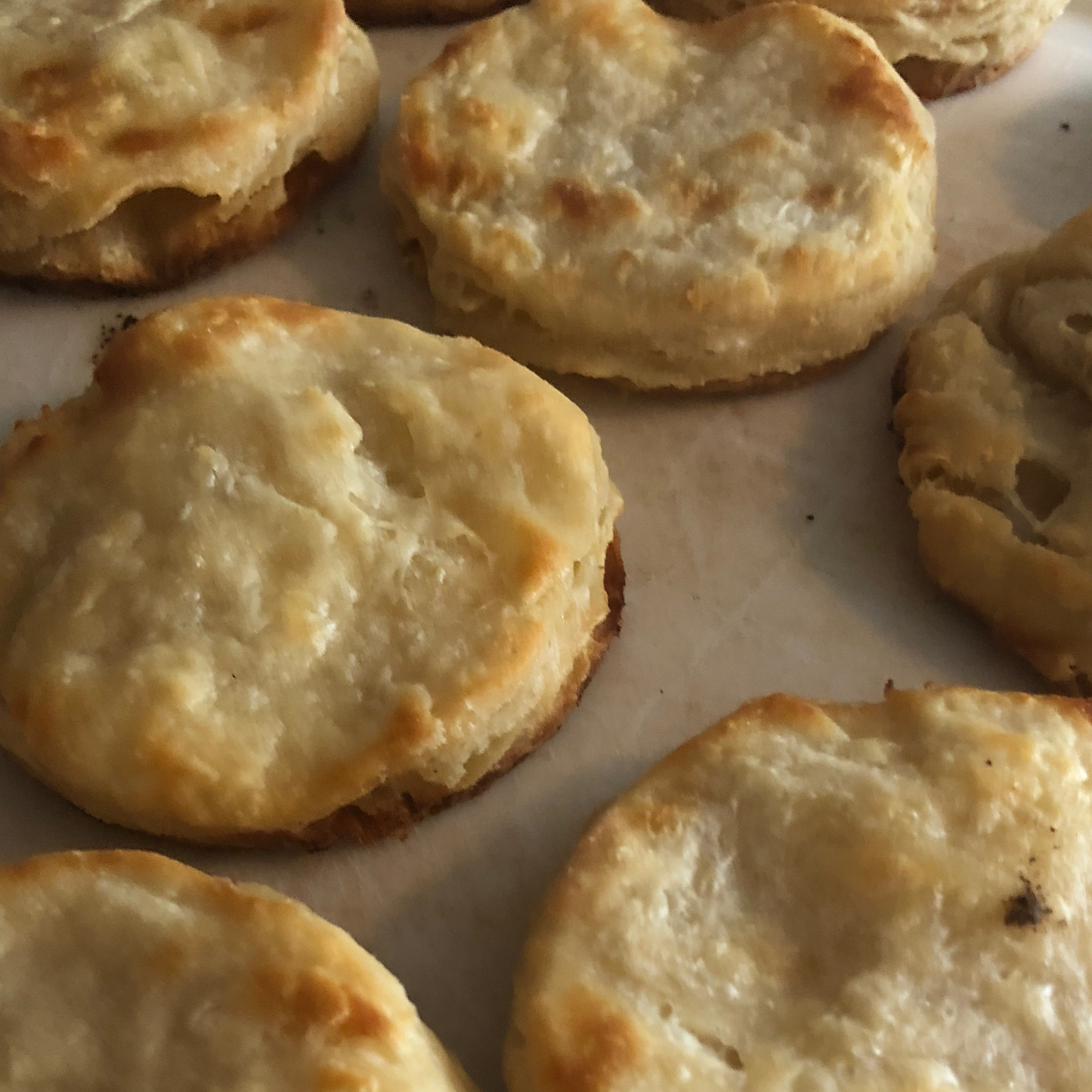 Buttery Buttermilk Biscuits lissylou24