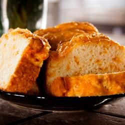 Quick and Easy Cheese Bread rushinglove