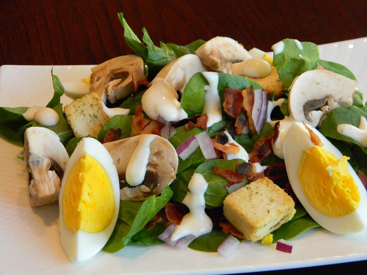 Spinach, Bacon, and Mushroom Salad