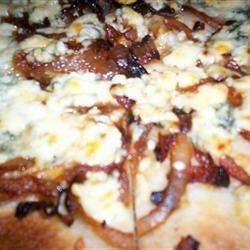 Caramelized Onion and Gorgonzola Pizza Leslie