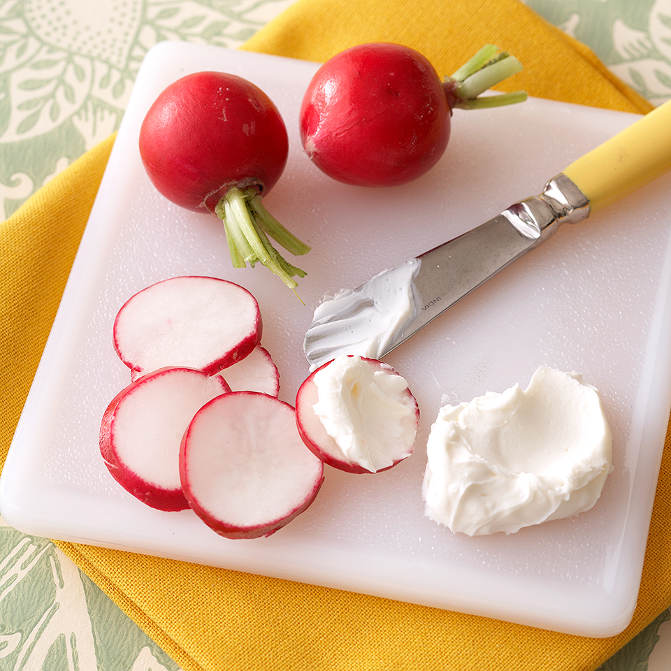 Radishes are about as guilt-free as food can get. Each medium-size radish has just 1 calorie and well under half a gram of carbohydrates. Nibble on a few when the aroma of dinner cooking is getting the best of you. This simple snack has just 20 calories and 2 grams of carb, and it makes a pretty appetizer. Source: Diabetic Living Magazine
