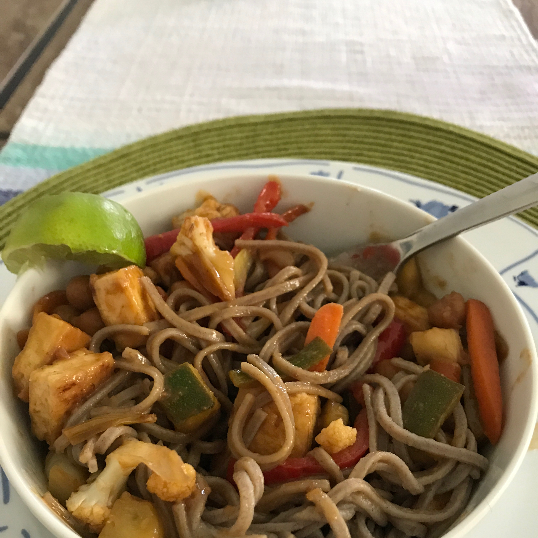 Shirataki Meatless Meat Pad Thai