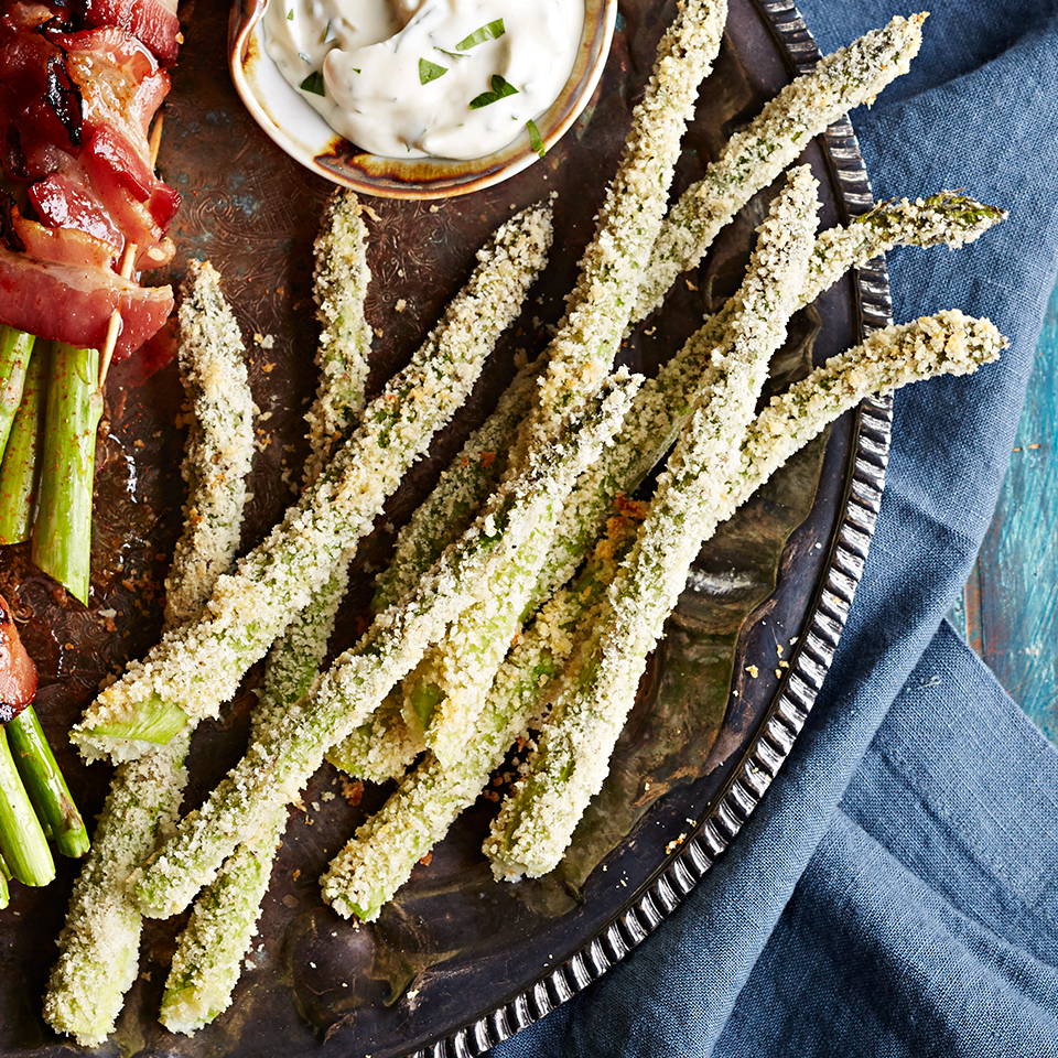 Panko & Parmesan-Crusted Asparagus with Garlic-Mayo Dipping Sauce Trusted Brands