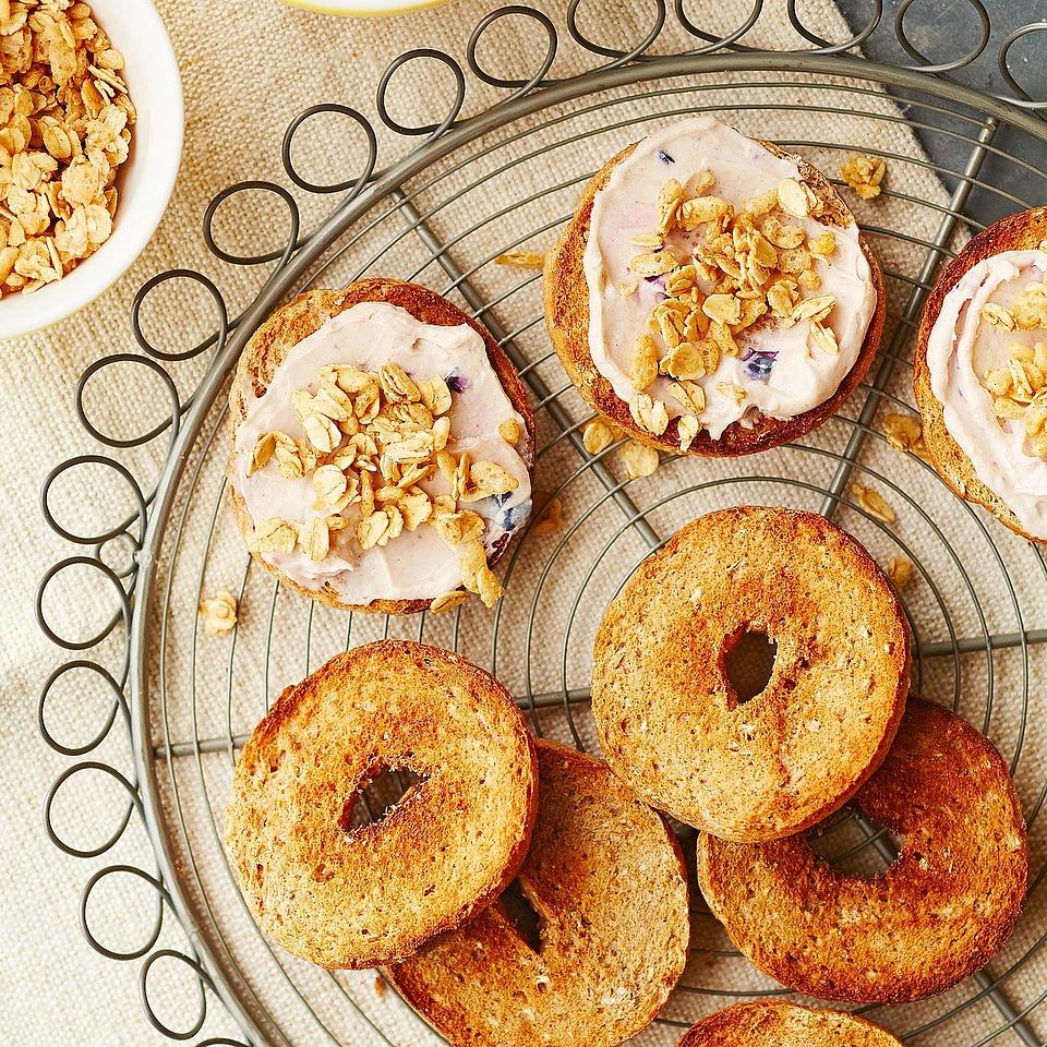 Brown Sugar-Cinnamon Cream Cheese Bagels Diabetic Living Magazine