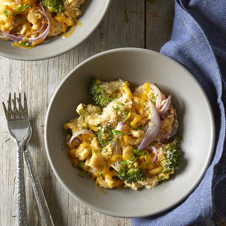 In this recipe we've taken basic macaroni and cheese to a whole new level. Charred broccoli and onions are added to cooked elbow pasta, mixed together in a mustardy cheese sauce and cooked on a sheet-pan in the oven. Simple to make, and not much to clean up!