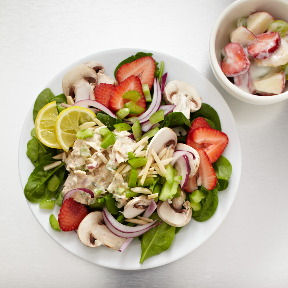 Enjoy sweet, juicy strawberries paired with nutrient-dense mushrooms and tangy tuna salad. This is the ultimate salad to keep you feeling full. It boasts 20 grams of protein and 10.5 grams of fiber -- both nutrients known to satiate hunger. Source: Diabetic Living Magazine