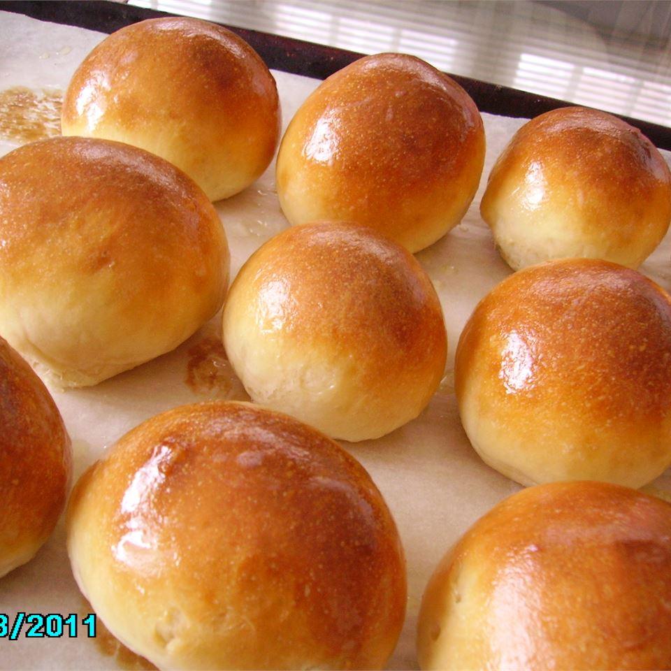 Uncle White's Bread Machine Rolls