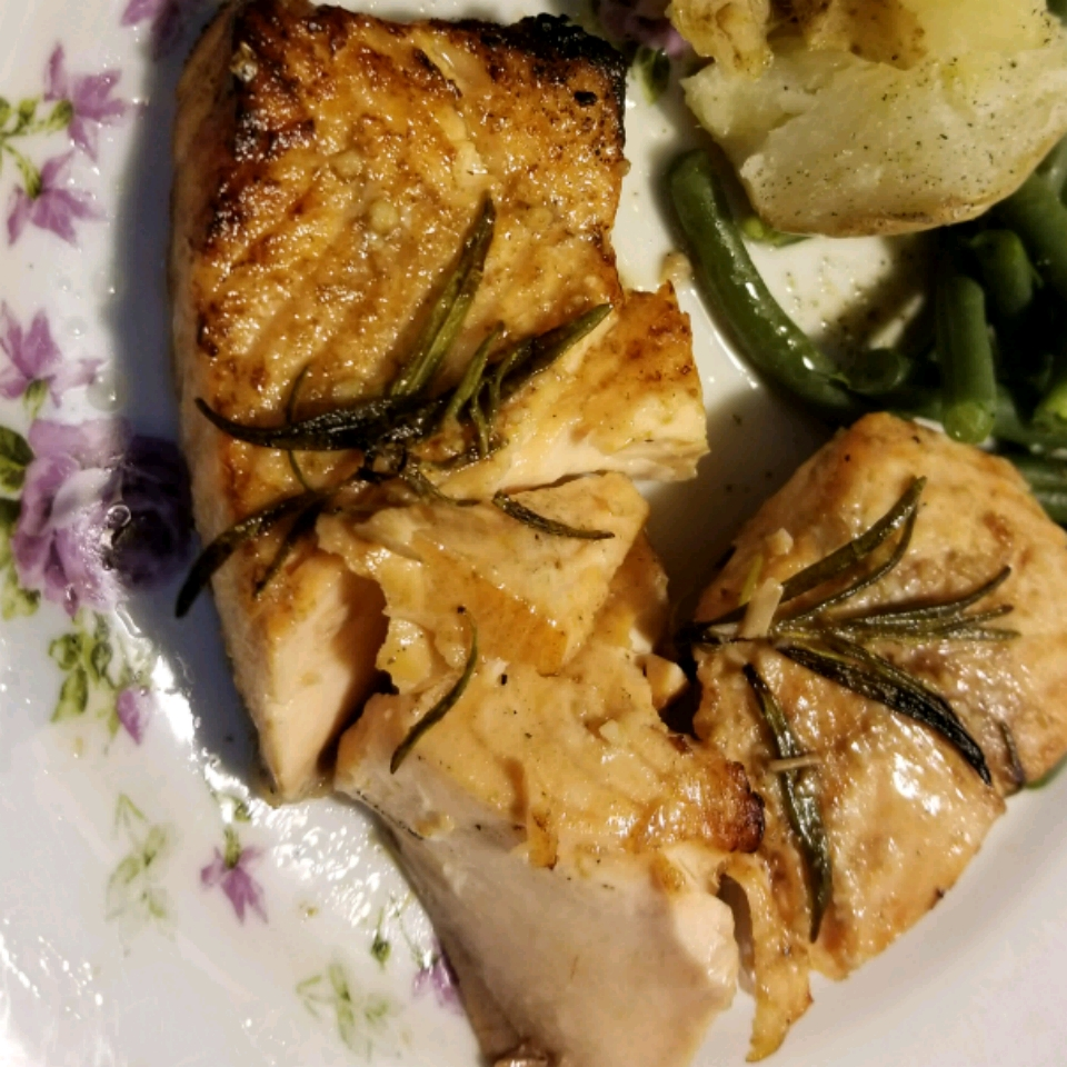 Balsamic and Rosemary Grilled Salmon WendyMWT