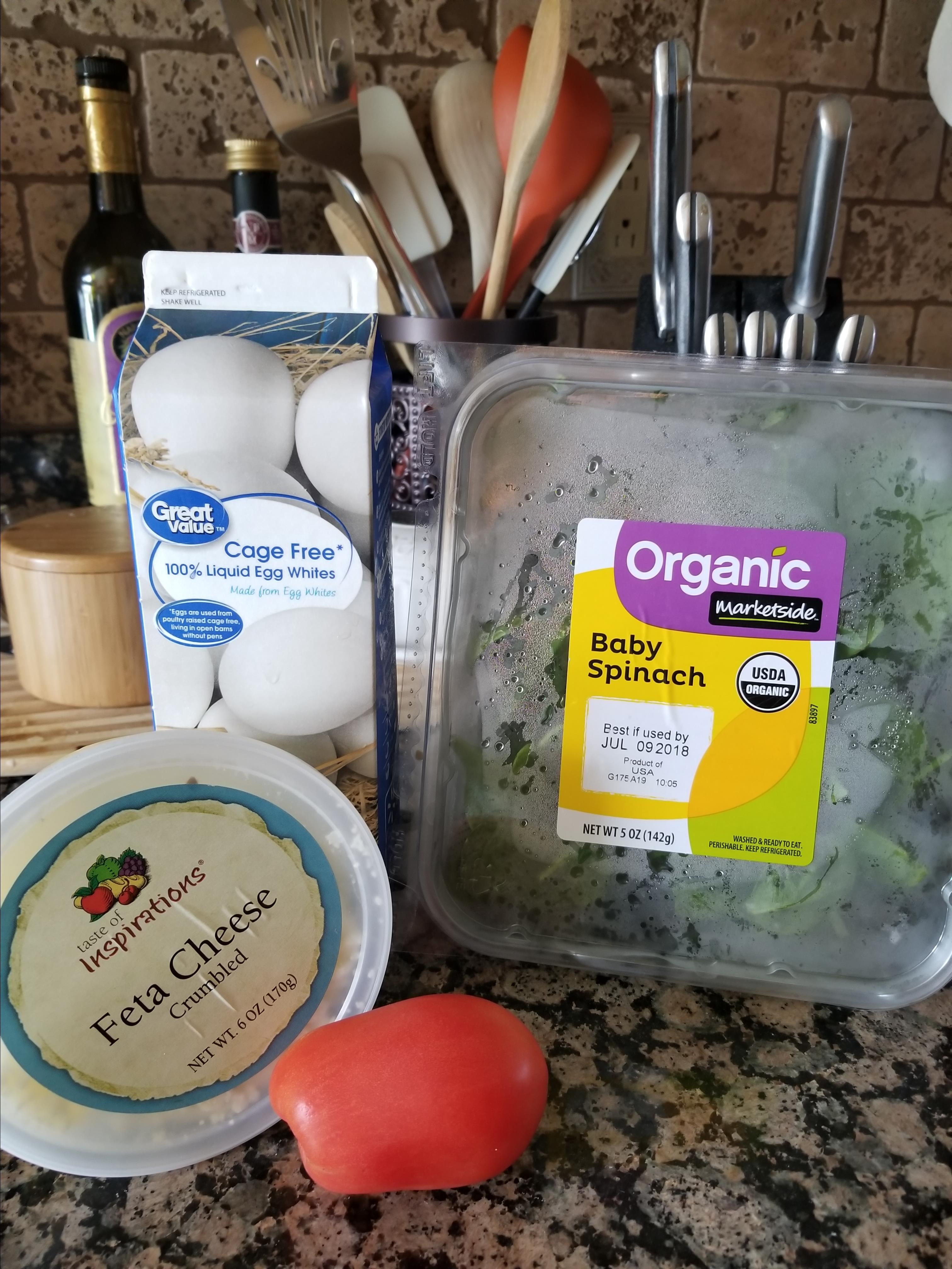 Spinach, Tomato, and Feta Egg White Omelette bakerbobbi