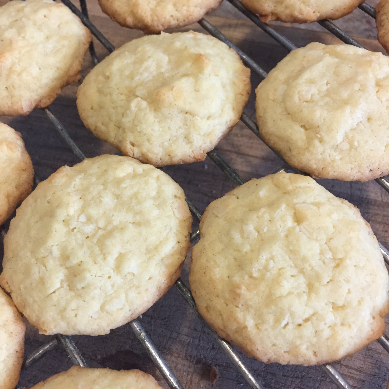 Easy Sweet Coconut Cookies