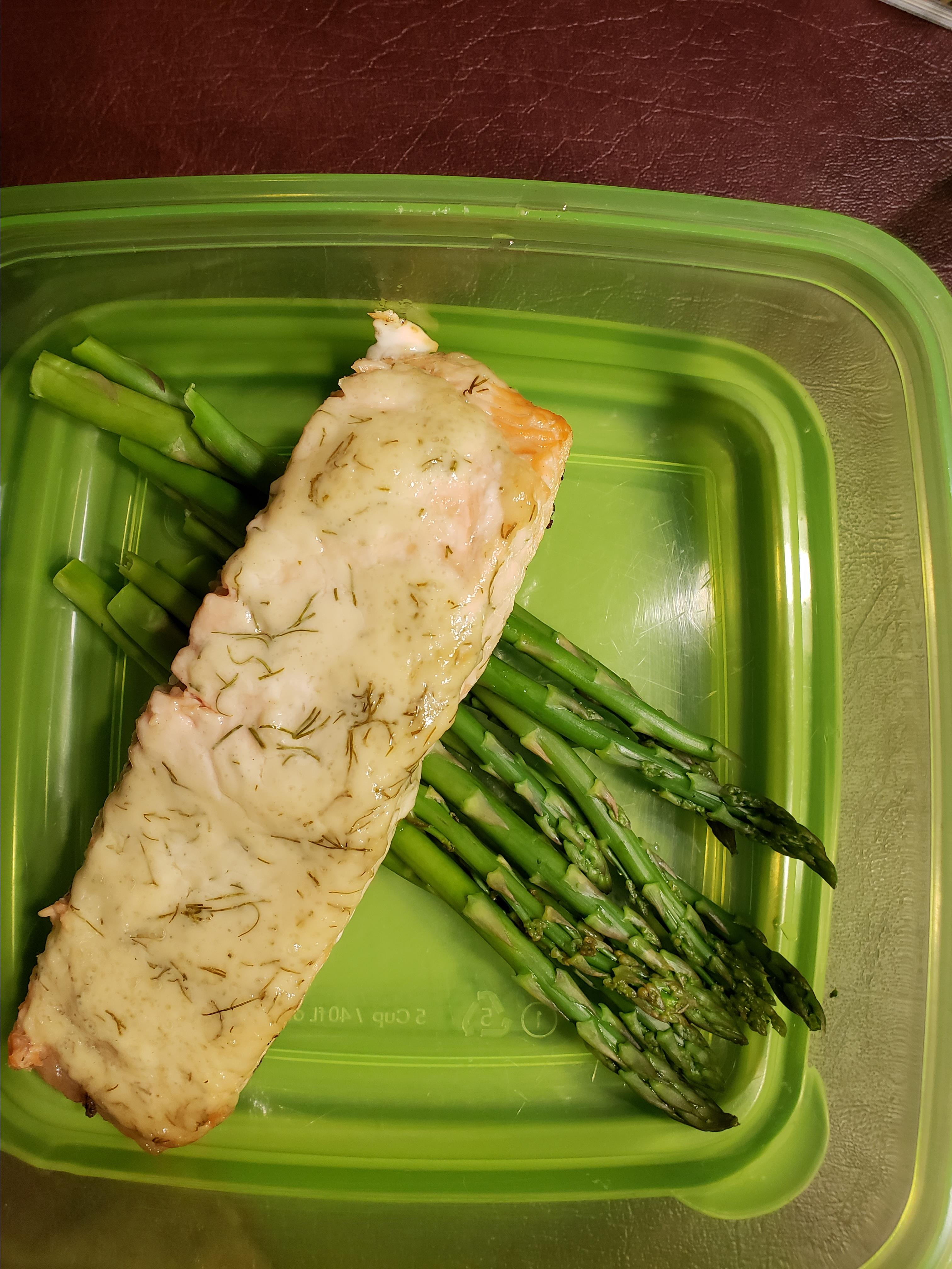 Grilled Salmon with Dill Sauce Lisa Morris