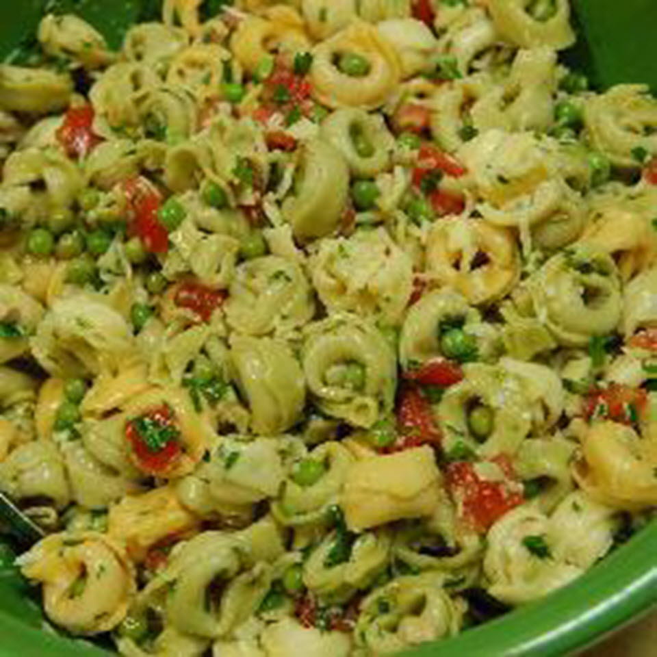 Tortellini Salad with Tomatoes and Peas Toi