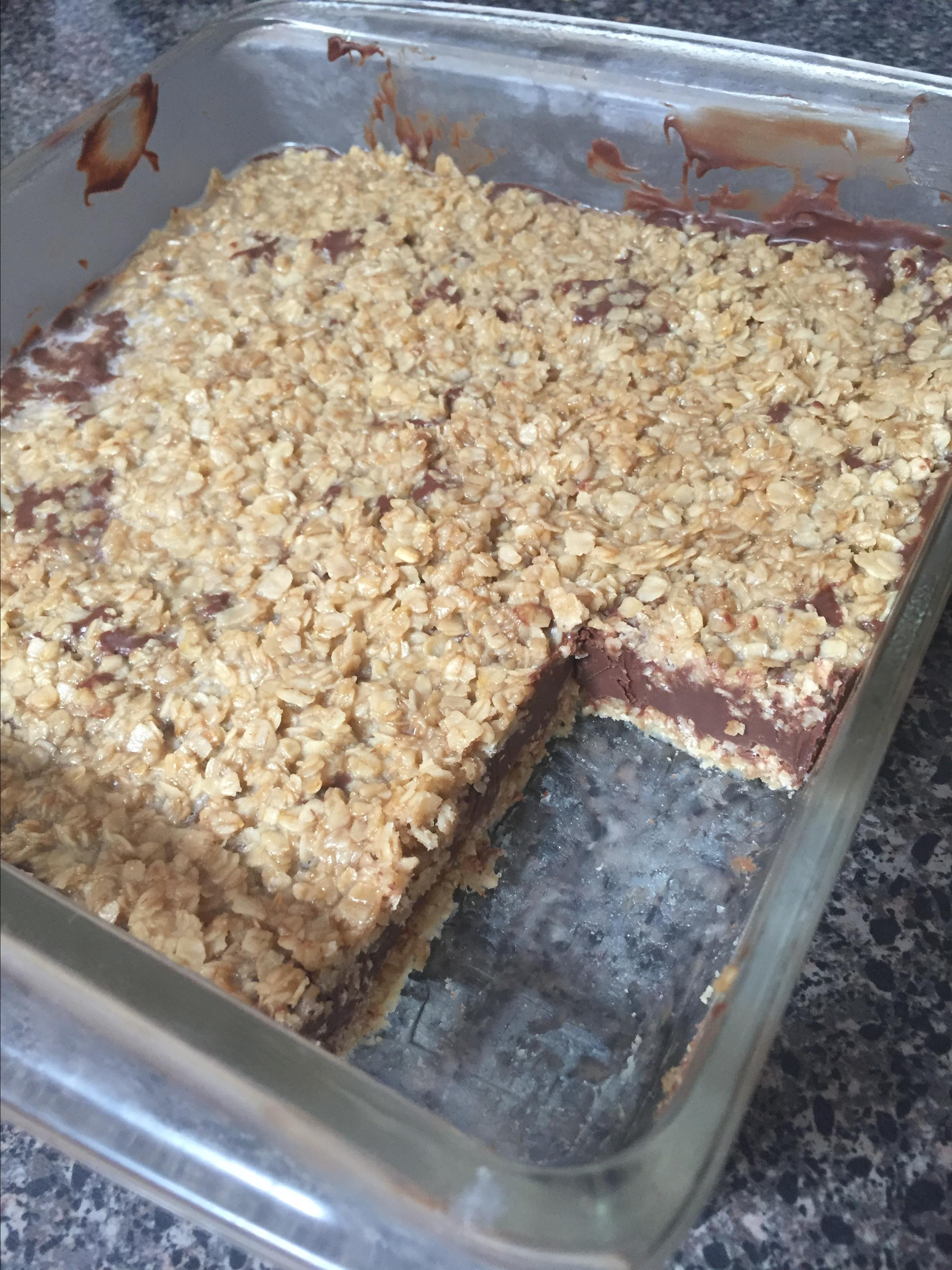 No Bake Chocolate Oat Bars