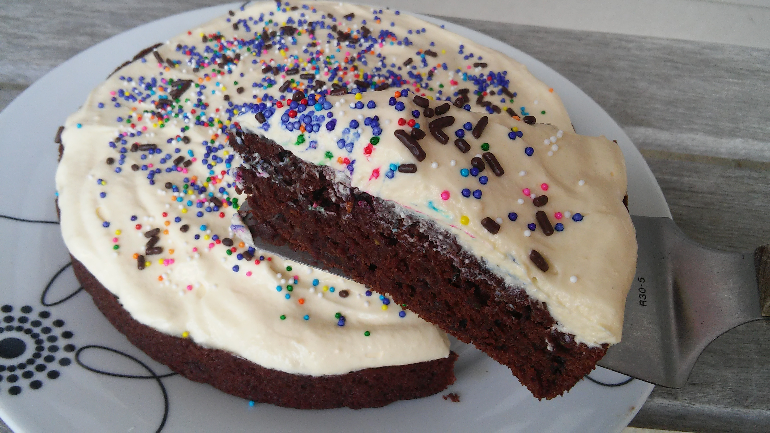 Healthy-ish Chocolate Cake