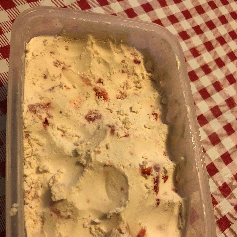 Keto Strawberry Ice Cream