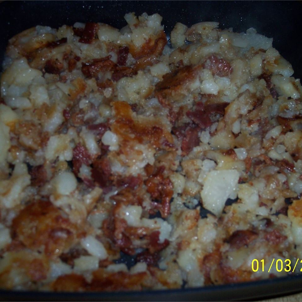 Homefried Potatoes with Garlic and Bacon