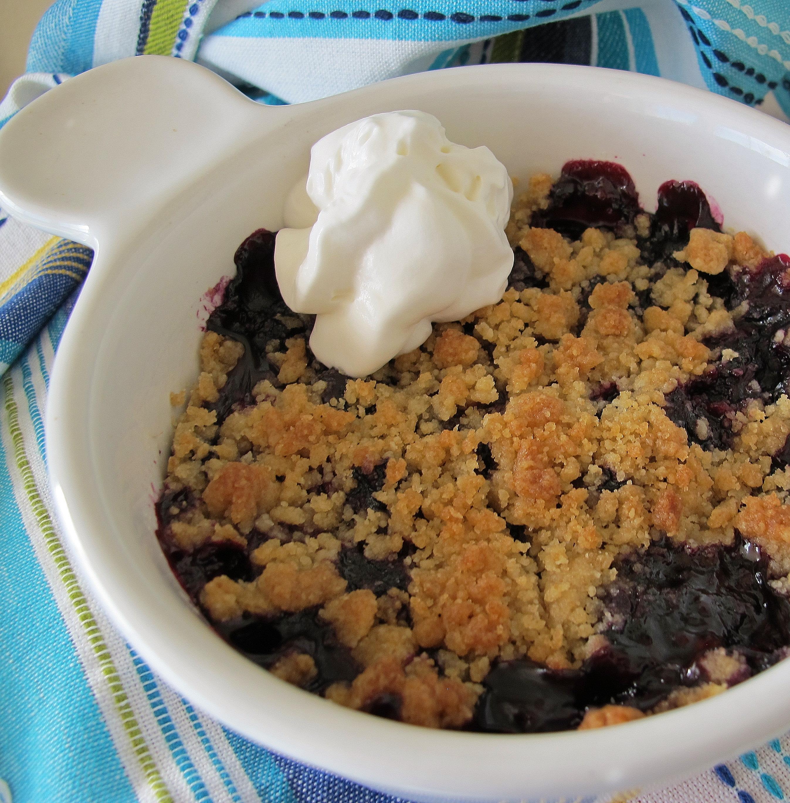 Classic American Blueberry Crisp naples34102