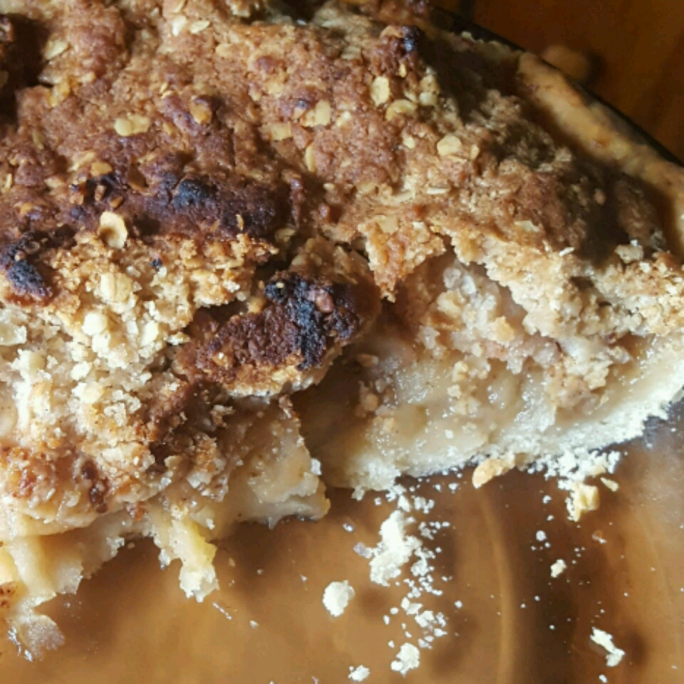 Apple Maple Crumble Pie DaltonWoobie