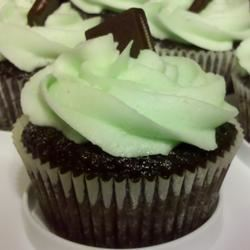 Mint Buttercream Frosting With Dark Chocolate Glaze bhoneycutt