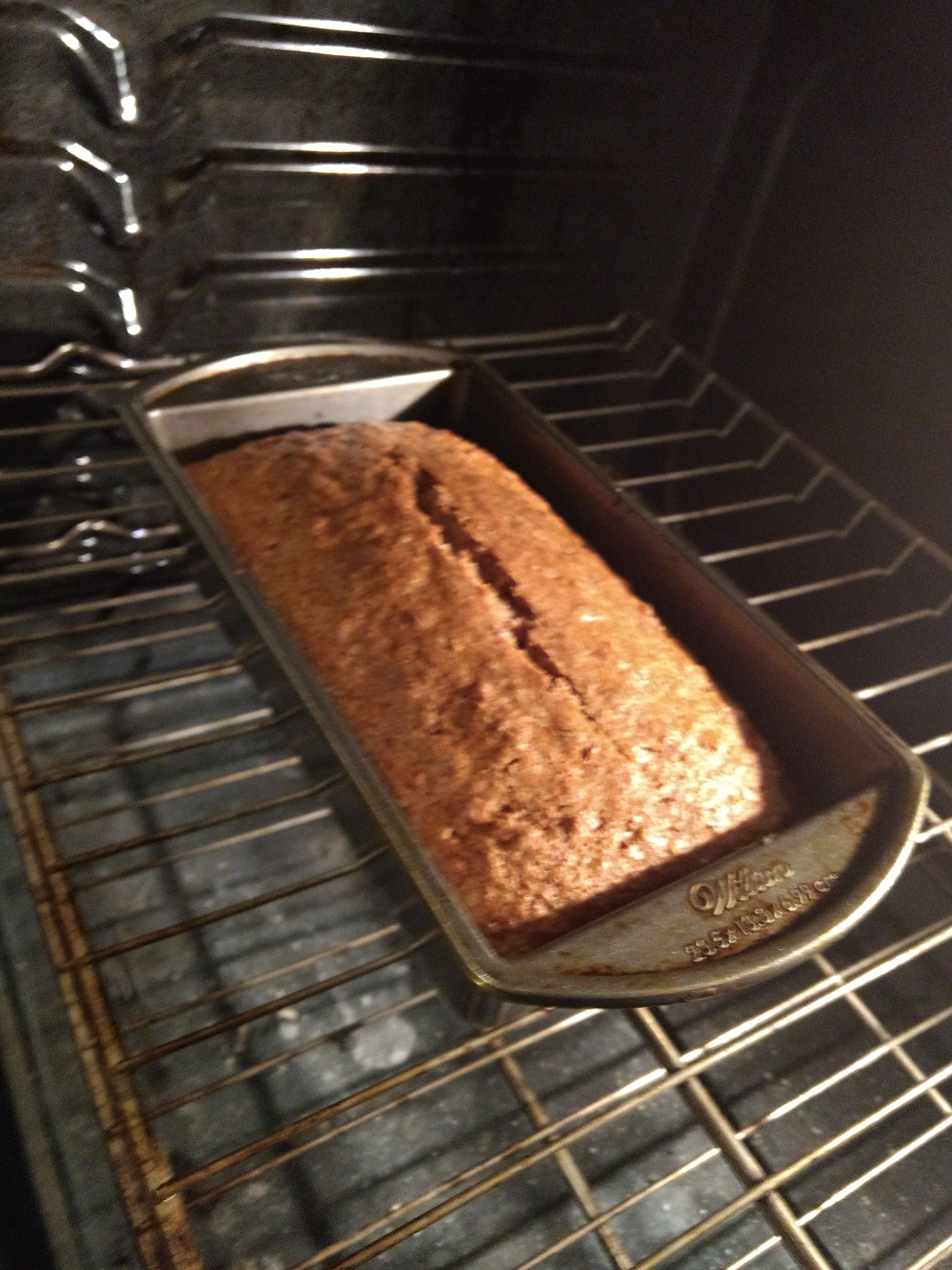 Yummy Applesauce Bread
