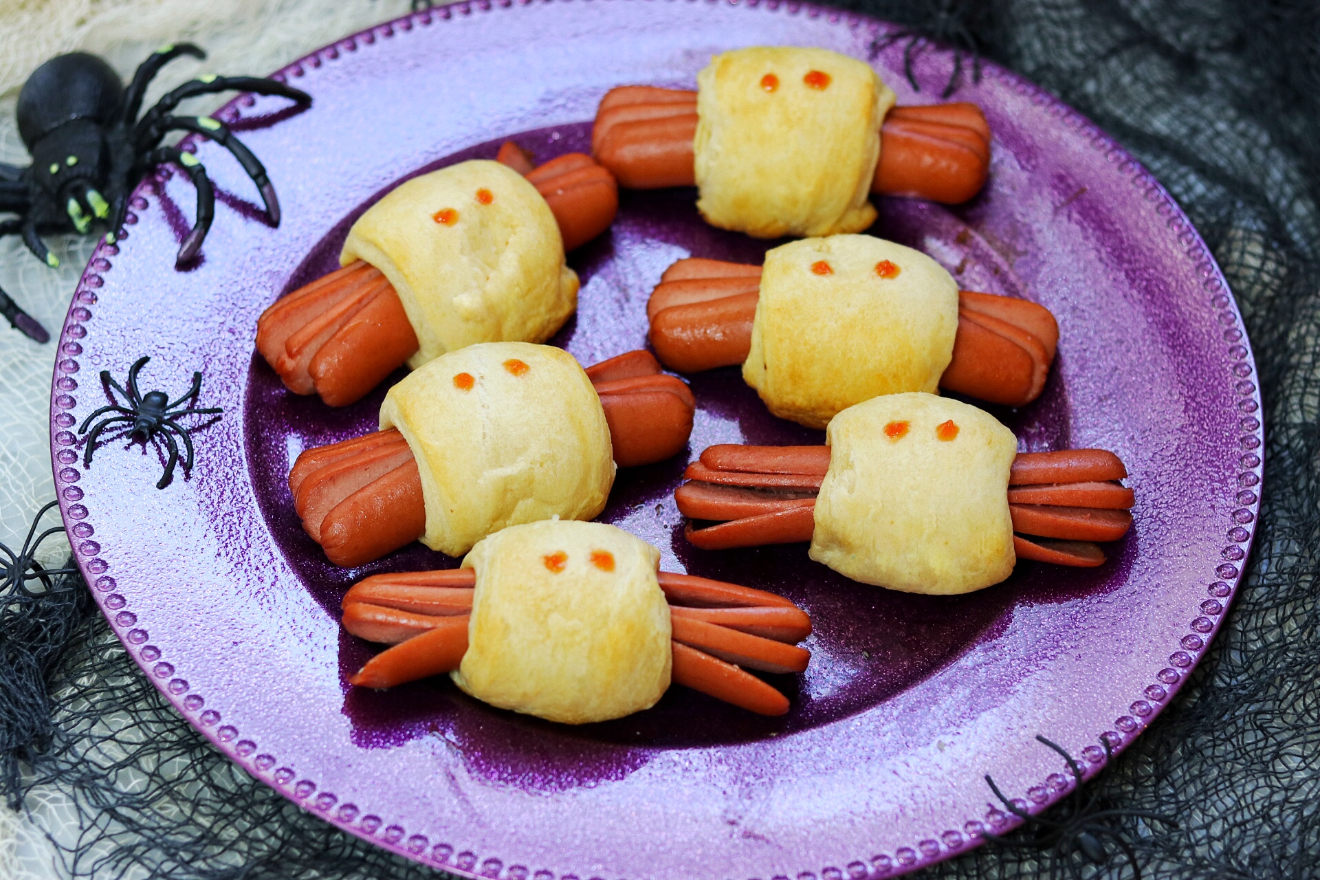 Spooky Spider Halloween Hot Dogs