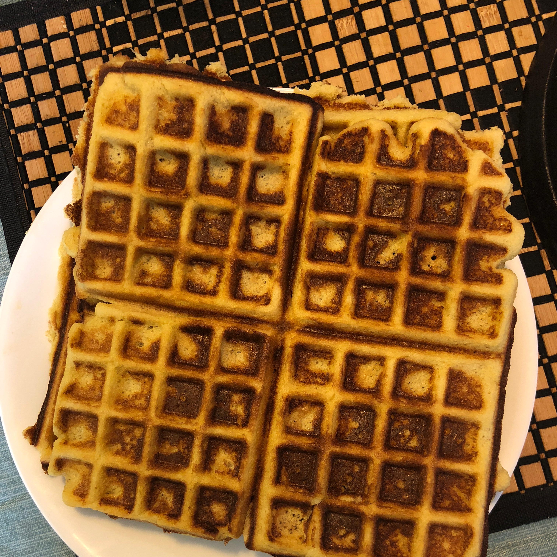 Almond Flour Waffles Felicitas