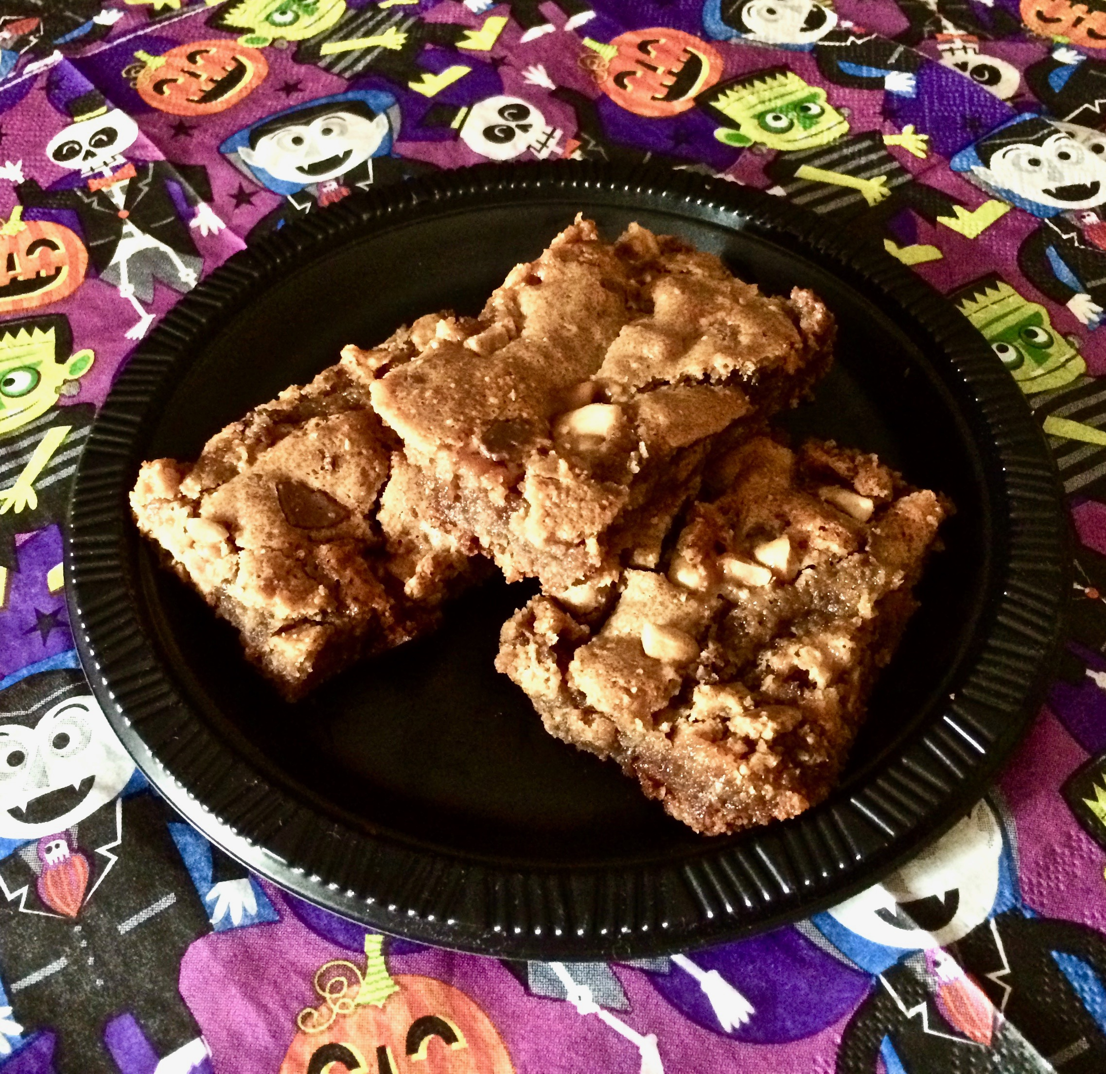 Leftover Halloween Candy Bar Blondies
