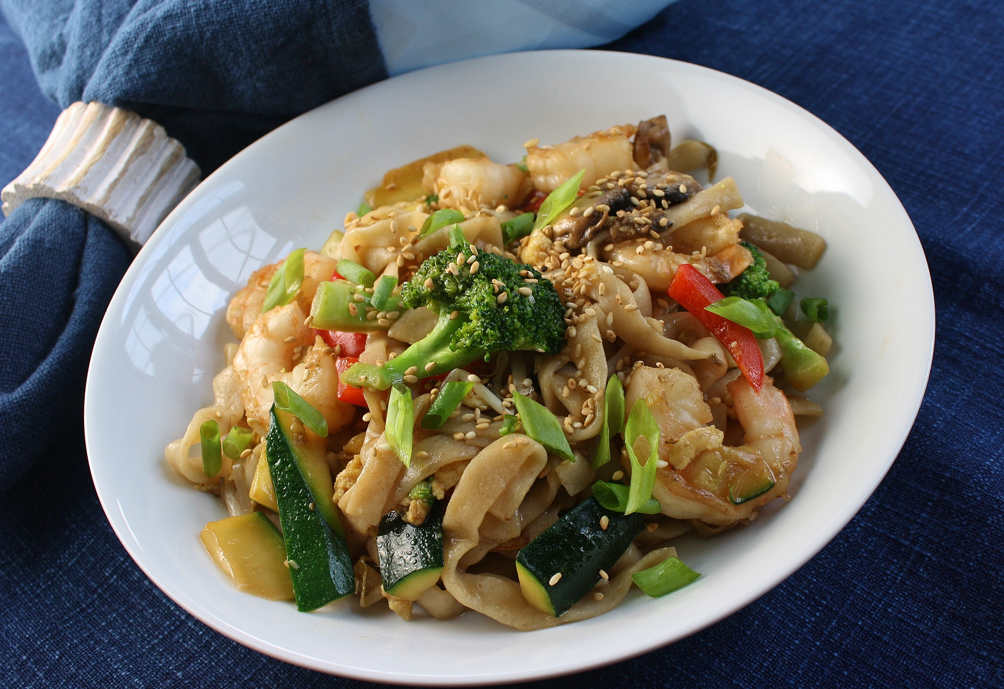 Shrimp Lo Mein with Broccoli