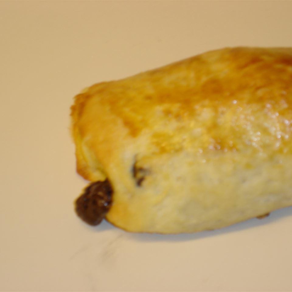 Pain au Chocolat (Chocolate-Filled Croissant)