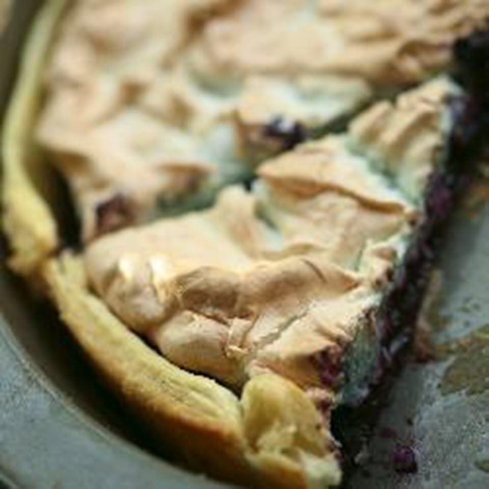 4-Ingredient Blueberry Meringue Pie