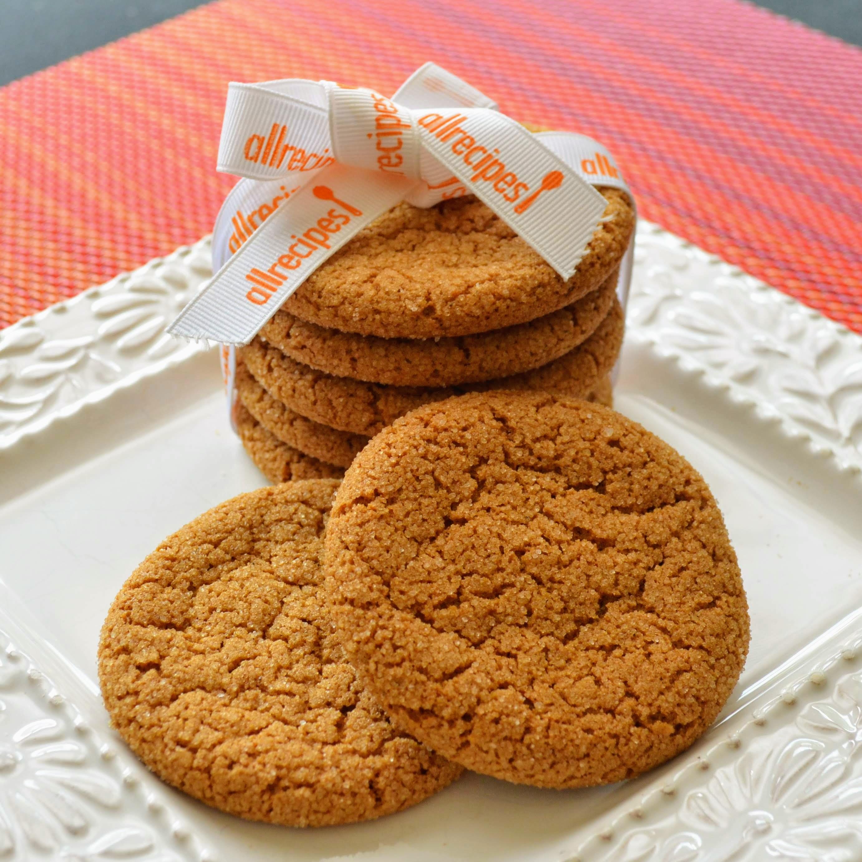 Crackle Top Molasses Cookies