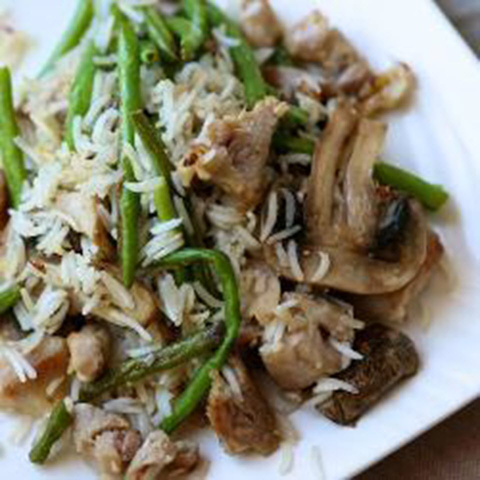 Quick Rice with Green Beans, Chicken, and Mushrooms