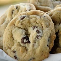 Soft Chocolate Chip Cookies II mominml
