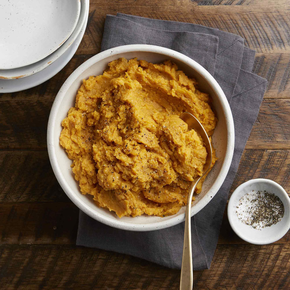 This quick mashed potato recipe has just 5 ingredients and is dinner-ready in 20 minutes. Using sweet potatoes for this classic side dish adds color to your plate along with a little sweetness and a boost of Vitamin A. With classic and simple flavors, it can easily be paired with any of your favorite dishes.
