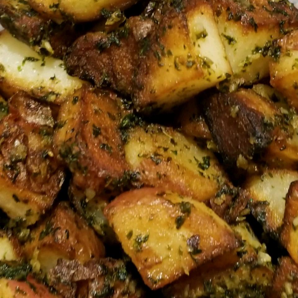 Cilantro and Garlic Potatoes Roseli17