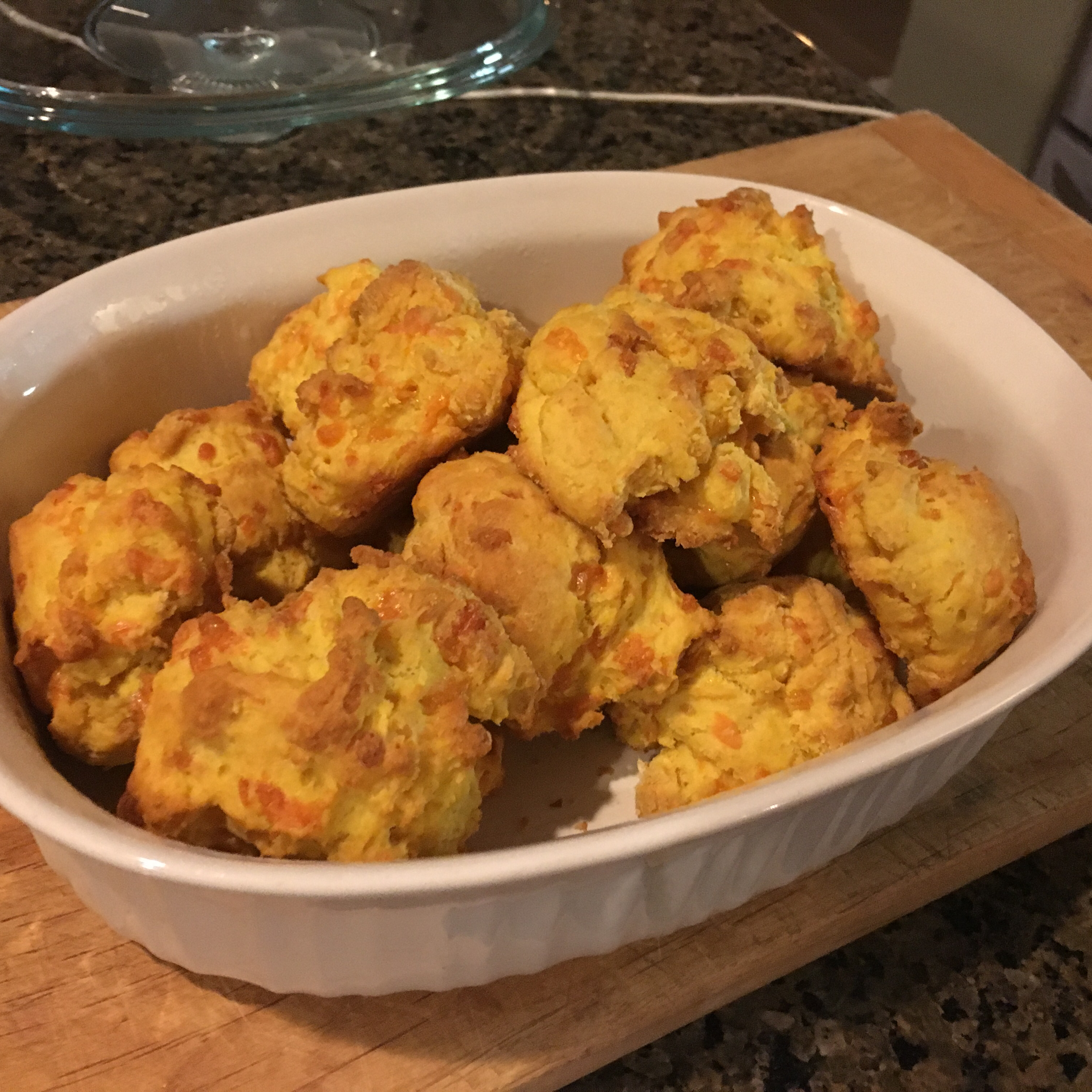 Red Lobster® Cheddar Biscuits antonio39465